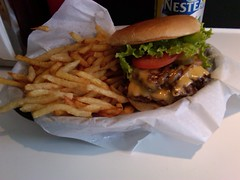 The Burger's Priest (igo2cairo) Tags: awesome doublecheeseburger classicburger theburgerspriest