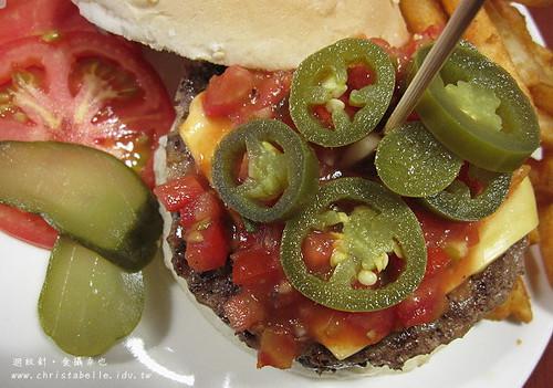 第八街美式漢堡墨西哥辣味牛肉漢堡仔細看