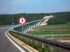 Tu non puoi PASSAREEEE!!!! (picturehunter1911) Tags: croatia ponte divieto