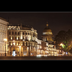 (Sergio Verrecchia - Digital Imaging Technician) Tags: light night square lights nikon luci piazza saintpetersburg soe notte palacesquare sanpietroburgo   abigfave flickrgoldaward flickrbronzeaward flickrsilveraward heartawards platinumheartaward goldstaraward rubyphotographer sergioverrecchia yourarthastouchedtheworld grouptripod universalelite platinumheartshalloffame andromeda50 mygearandmepremium mygearandmebronze mygearandmesilver mygearandmegold mygearandmeplatinum mygearandmediamond mygearandmediamondelite flickrbronzetrophygroup photographyforrecreation photographyforrecreationemerald chariotsofartists photographyforrecreationsilver photographyforrecreationdiamond eliteclubofphotographyforrecreation photographyforrecreationgold eyecatcherawards mygearandmeplatinumexclusive globeawardbronze globeawardsilver globeawardgold