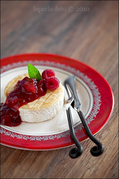 Cheese & Melon, Strawberry and Balsamic Jam