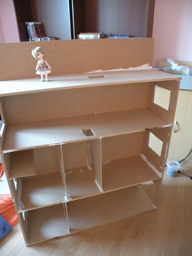 Amylee's Dollhouse: structure finie! 4908349924_f4b23ce933