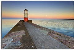 Moon rise over the Lighthouse (blue fin art) Tags: sea moon lighthouse water pier dusk berwickupontweed