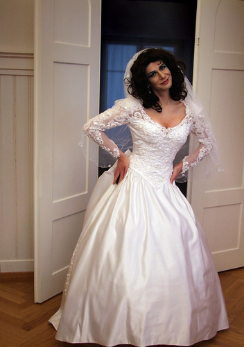 wedding dress shemale Bride