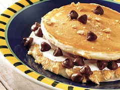 Pancake S'mores (Betty Crocker Recipes) Tags: food pancakes recipe chocolate marshmallow vanilla crumbs graham chocolatechips bettycrocker marshmallowcreme grahamcracker bisquick generalmills pancakemix grahamcrackercrumbs pancakerecipe sweetpancakes sweetpancake pancakesmores bisquickpancakes