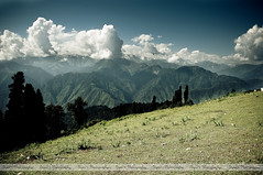 Horizon View from Payee (پائے) (Syed Sibt-e-Hassan) Tags: trees pakistan sky mountain mountains green nature beautiful grass clouds landscape amazing nikon colorful heaven dof earth awesome misc horizon scene valley nikkor kaghan addiction vr 18200mm d90 nikor siripaye hazaraprovince siripayee
