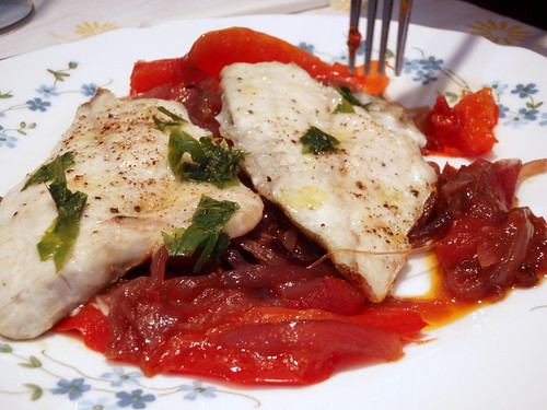Dorade fillets on peperonata