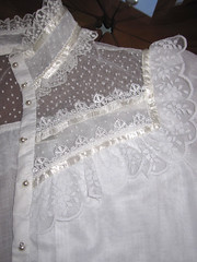 Gunne Sax Victorian Styled White Cotton Fine Lace Ruffled Blouse 4 (mondas66) Tags: ruffles lace victorian skirt blouse cotton romantic elegant ornate lacy skirts frilly elegance ruffle gunnesax blouses frills frill ruffled lacework frilled frilling frillings befrilled