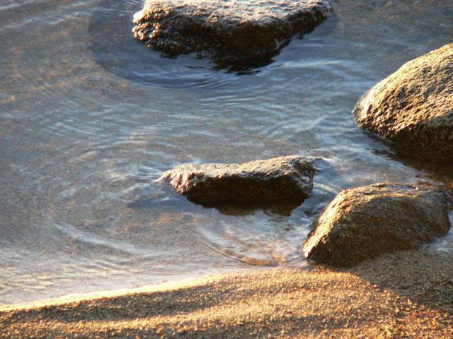 lake_stones