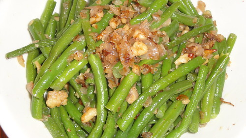 Haricots verts with walnuts 核桃四季豆