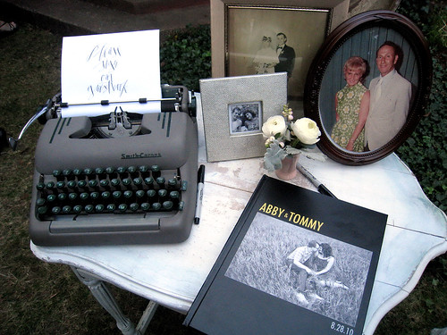 Love this guestbook setup!