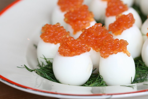 Quail eggs with caviar / Vutimunad siiamarjaga