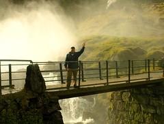 Норвегия. Внутри водопада. Почти (varfolomeev) Tags: mountains norway 2010 горы olympuse410 норвегия