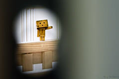 034 - 365 - Glimpse (ronny..) Tags: baby toy bed amazon room wave figure 365 glimpse keyhole odc danbo project365 threesixtyfive danboard ourdailychallenge project36612011 2011yip 3652011 2011inphotos threehunderdsixtyfive revptech amazondcojp