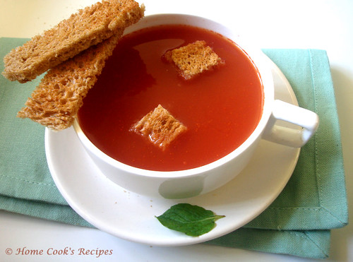 How to Prepare Tomato Soup at Home