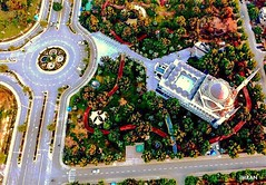 Going To Mosque In A Roundabout Way By A Roundabout On A Wing & A Prayer - IMRAN™ (ImranAnwar) Tags: roundabout road lifestyle wordplay society history asia travel pakistan punjab sukhchain phantom4 dji flying aerial drone peace terrorism islamic muslims islam lahore imran imrananwar
