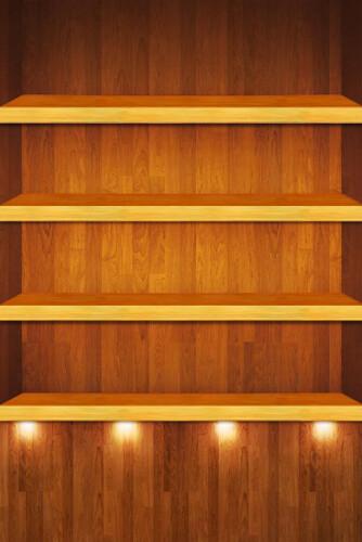 ドックが光る木の棚