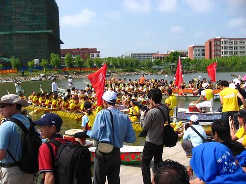 第三届上海高校外国留学生龙舟赛