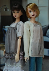 Sweet Friends (Girl Least Likely To) Tags: fashion toys dolls ooak vinyl etsy ccs paulina sekiguchi momoko japanesetoys jiajia ivie princesspeach asiandolls closeclippedsheep darkcherry deepplum clearlan