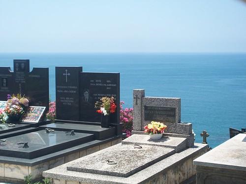 Cementerio mirando al Adriático