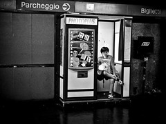 Break! [My Milan] (Luca Napoli [lucanapoli.altervista.org]) Tags: milan subway lumix metro milano panasonic atm calma lombardia lettura metropolitana comoda bisceglie milansubway tessere fototessere candidstreet lx3 concalma lumixaward lucanapoli lx3street