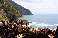 Via dell'Amore, Cinque-Terre (G.Perretto (OFF)) Tags: italy liguria cinqueterre itlia padlocks viadellamore cadeados perretto
