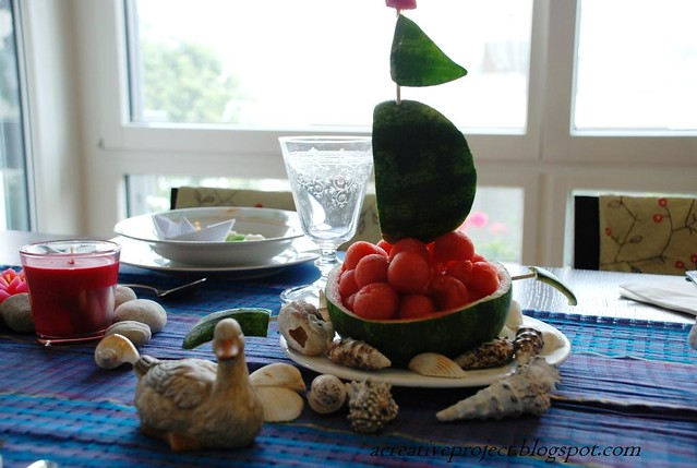 beach themed table arrangement