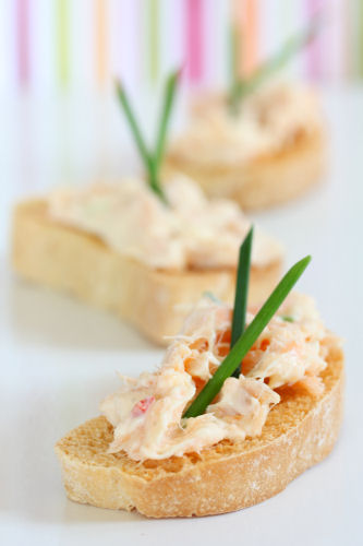 kinvara salmon toasts 9245 R
