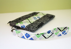 clutchswap3 (noodleheadsews) Tags: sewing fabric clutch gather wristlet imsofabulousyoucanteventakeit