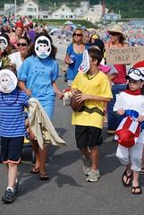 The Peanuts Gang (Joe Shlabotnik) Tags: costume maine peanuts parade charliebrown 2010 higginsbeach lucyvanpelt linusvanpelt july2010