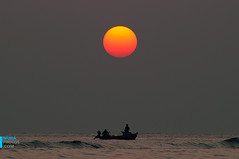 end of the day (muha...) Tags: hello sunset red sea summer orange sun beach island fishing waves dragon gray scene maldives endoftheday
