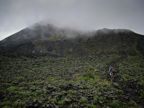 Los Volcanos NP 07 - Climbing foggy Izalco