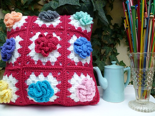 Grandma's Garden Cushion
