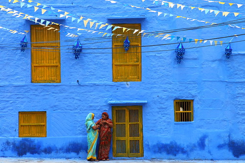 Today's gossip (... Arjun) door new wood city blue ladies 15fav woman india color colour texture window colors yellow festival wall lady 1025fav 510fav standing festive women rust asia iron colours decay painted textures 2550fav peelingpaint today incredible f11 todays rajasthan 2010 gossip jodhpur 105mm marwar iso125 canonef24105mmf4lis bluelist  canoneos5dmarkii canon5dmarkii gettyvacation2010