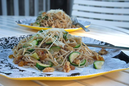 spaghetti with zucchini, raisins & walnuts