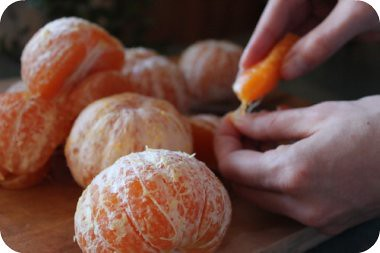 peeling mandarins