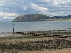 Llandudno's  Little Orme - Llandudno Bay - July 2010. (Lenton Sands) Tags: littleorme llandudnobay boardwalkpier
