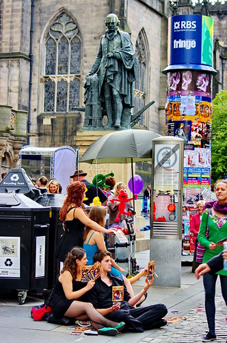 Edinburgh, Edimbourg, Scotland, The Fringe dans High street 13