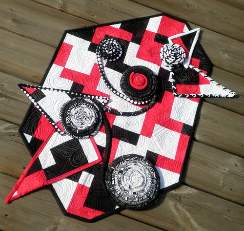 Rectangular Conundrum - Project QUILTING Black & White Challenge Submission