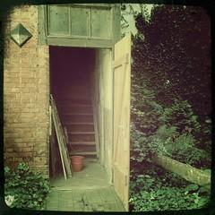 Bestandsaufnahme: Besichtigung des Seitenhauses.