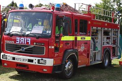 1991 Volvo ex Hampshire before doing film/tv work with a private company. (delta23lfb) Tags: volvo fireengine fireshow appliance saxon odiham pl blackwall odihamfireshow londonsburning londonfirebrigade lfb volvofl6 fl6 pumpladder e441 h373btp