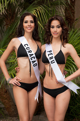Safira de Wit and Giuliana Zevallos in swimsuit at Miss Universe 2010 contest