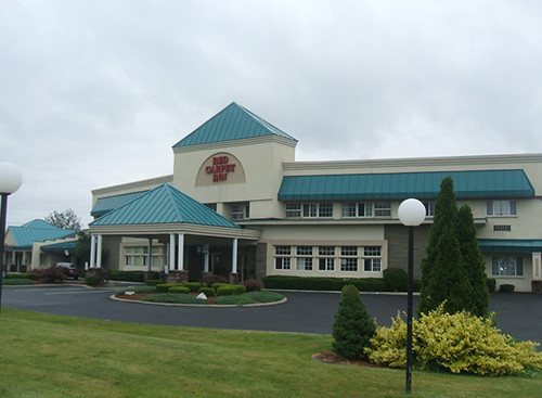 The Red Carpet Inn offers convenience, near Pepsi Arena, Empire Sales Plaza and downtown Albany, NY