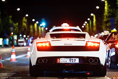 Gallardo LP560-4 (Katrox - www.kevingoudin.com) Tags: white car night iso3200 photo nikon automobile photographie image dream champs iso exotic gran gt expensive blanche 3200 lamborghini nuit supercar vr afs gallardo vehicule photograpy 70200mm lyse weisse dreamcar 7020028 turimo champselyse f28g vr70200 nikkor70200 automo
