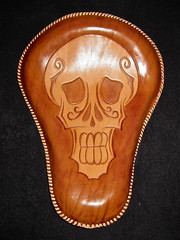 Leather - Solo Seat (Marius Mellebye / 276ccm) Tags: leather mexicana skull graphic americana mariusmellebye leathercarving licing soloseat 276ccm bobberseat