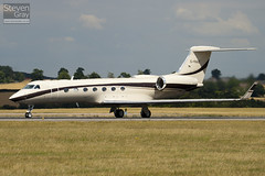 G-YAAZ - 5189 - Private - Gulfsteam G550 - Luton - 100805 - Steven Gray - IMG_1198