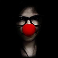Es verdad, soy un payaso/ It's true, I'm a clown (Evelyn Marn) Tags: red portrait color me self myself nose photo rojo nikon mine foto clown yo payaso nariz clownnose i evelynmarin