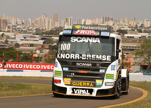 Roberval Andrade vence em Londrina
