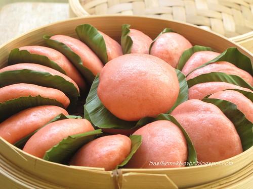 Pink steamed buns (Ki Ka Ku) 喜米反