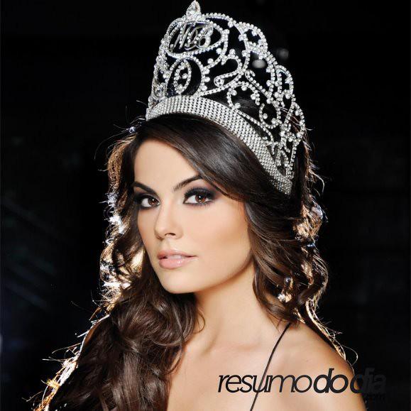 Jimena Navarrete corona Nuestra Belleza
